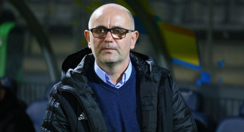 Piłka nożna, Miedź wydała oficjalny komunikat trenera Dominika Nowaka - zdjęcie, fotografia