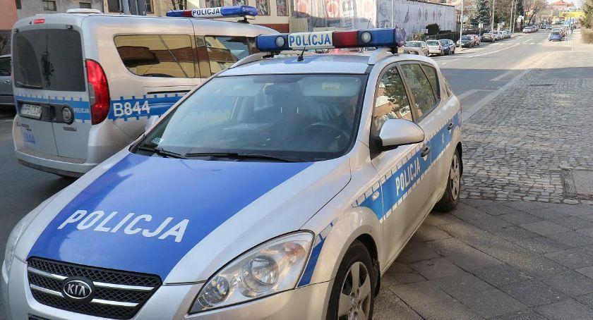 Wydarzenia, Funkcjonariusze Legnicy budują zaufanie obywateli policji - zdjęcie, fotografia