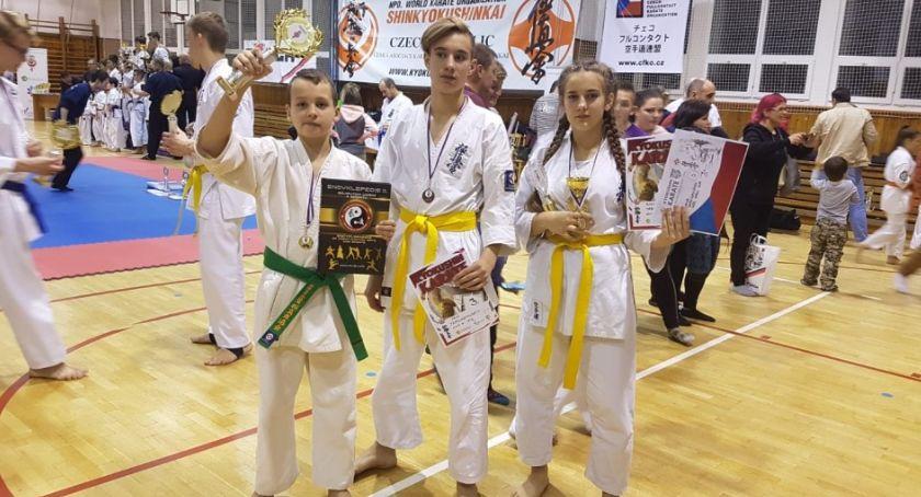Sztuki Walki, Karateka Legnicy mistrzem Czech Teraz pojedzie Japonii - zdjęcie, fotografia