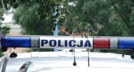 39-letni recydywista z nożem w dłoni okradł dwa sklepy