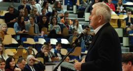 Kwadrans Akademicki: O konferencjach dotyczących bezpieczeństwa i odbudowy kraju