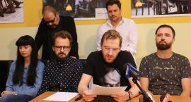 Krzakowski zignorował ważne pytania aktorów Teatru Modrzejewskiej
