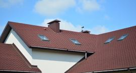 Najpopularniejsze elementy obróbki blacharskiej dachu