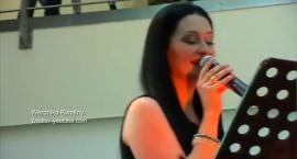 Weronika Kwaśny zaśpiewa w SDK Kopernik