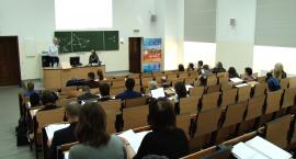 Studenci rozmawiali na temat zmieniającego się świata w dobie Internetu