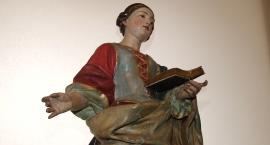 Rzeźby ludzkich rozmiarów w Muzeum Miedzi
