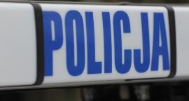 Policja: Spadł z dachu kradnąc blachę