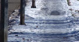 Na chodniku zalega gruba warstwa śniegu! - alarmują mieszkańcy ul. Grabskiego