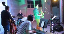 Koncertowa lekcja historii jazzu w legnickim akademiku