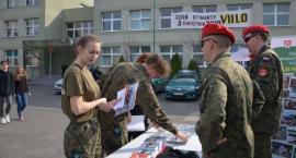 Za mundurem młodzież sznurem - Dni Otwarte w VII LO