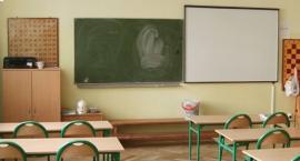 Strajk nauczycieli w Legnicy - nie ma zajęć w 37 szkołach i przedszkolach