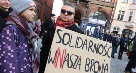 Wiec poparcia dla strajkujących nauczycieli w legnickim rynku