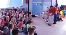 Piłkarze ręczni Siódemki u przedszkolaków z Wesołej Dwudziestki