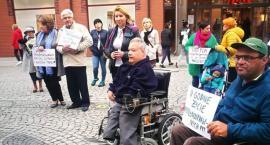 Niepełnosprawni z Legnicy wsparli ogólnokrajowy protest