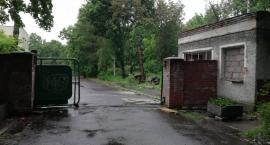 Nadzór budowlany zajął się opuszczonym szpitalem w Lasku Złotoryjskim