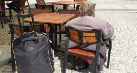 Legniczanka chce zafundować kloszardom pobyt w Holiday Inn