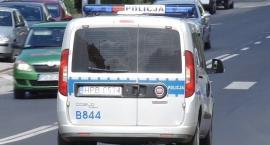 Mężczyzna zasłabł za kierownicą. Życie uratowali mu policjanci [VIDEO]