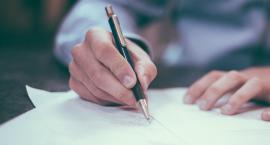 Jakie dokumenty są niezbędne, by móc starać się o kredyt gotówkowy?