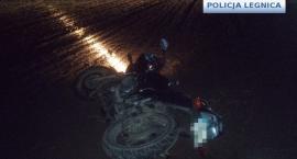 Uciekał policji kradzionym motorem. Był poszukiwany, naćpany i miał narkotyki