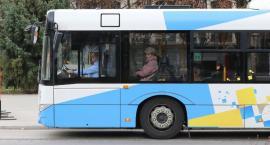 Sprawdź, jak w piątek i sobotę dojechać autobusem na cmentarze
