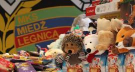 Kibice Miedzi Legnica znów wcielili się w rolę Świętych Mikołajów