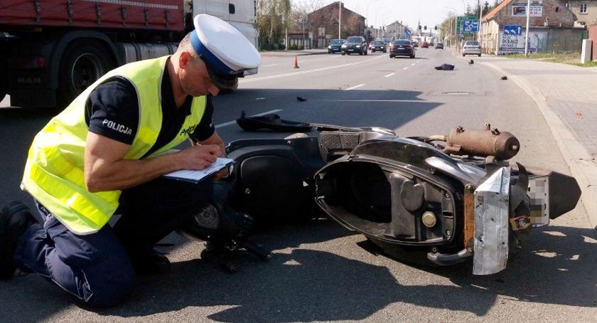 Wypadki drogowe, Wypadkowi motocykliści - zdjęcie, fotografia