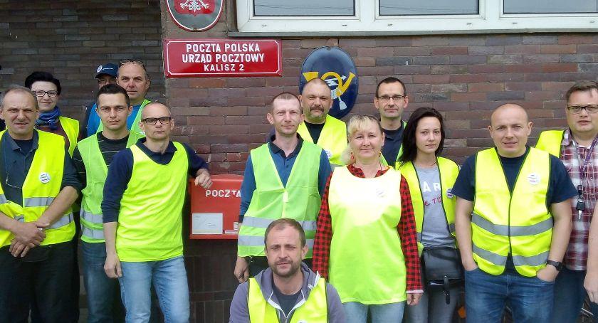 Biznes, Poczta Polska żółte kamizelki protestują - zdjęcie, fotografia