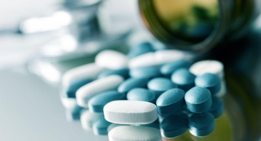 Zdrowie, Zaczerwienione gardło konieczny antybiotyk - zdjęcie, fotografia