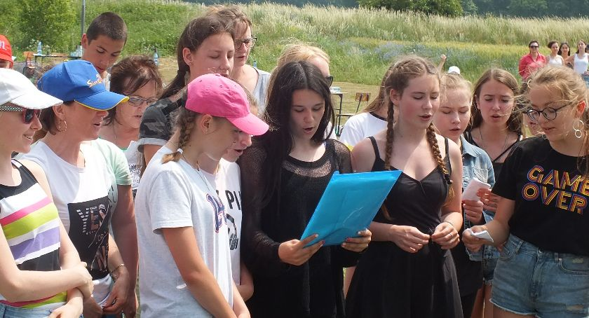 Szkoły i edukacja, Siedemnaście zespołów wzięło udział Rajdzie Ekologiczno Przyrodniczym - zdjęcie, fotografia