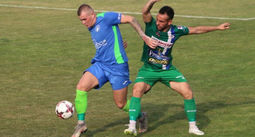Piłka nożna, Słupki poprzeczka …porażka Kalisz zakończył sezon drugim miejscu lidze - zdjęcie, fotografia
