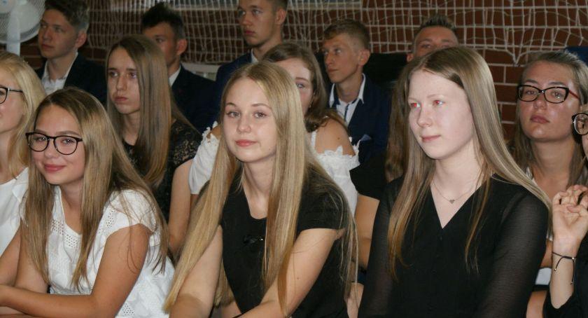 Szkoły i edukacja, wakacje stypendium wójta Blizanowa - zdjęcie, fotografia