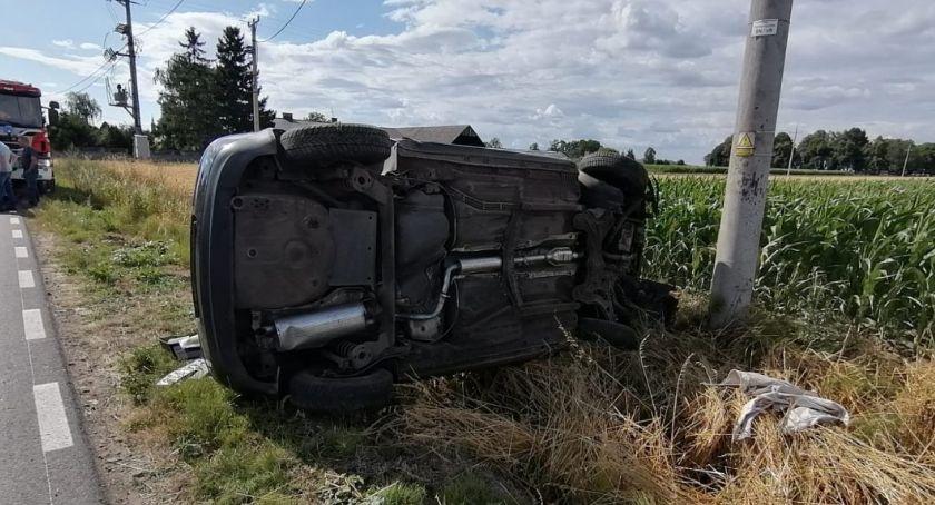 Wypadki drogowe, Dachowanie promilami - zdjęcie, fotografia