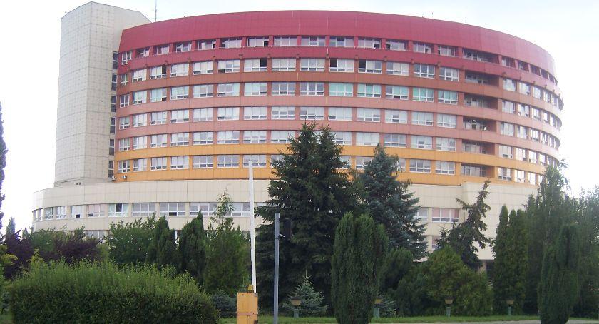 Zdrowie, Szpital Kaliszu otrzyma więcej ambulansów miasta - zdjęcie, fotografia