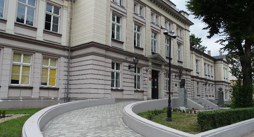 Szkoły i edukacja, wtorek kaliskich szkołach średnich zawisną listy kandydatów zakwalifikowanych niezakwalifikowanych - zdjęcie, fotografia