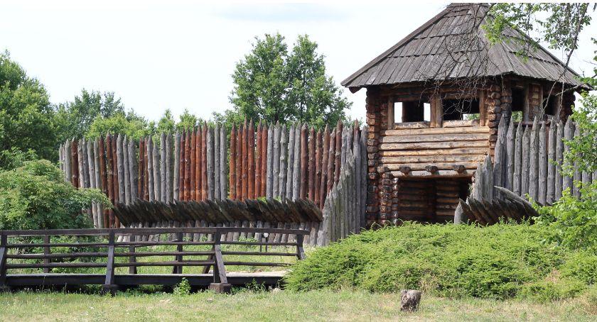 Atrakcje i Ciekawostki, Rezerwat archeologiczny Zawodzie zaprasza warsztaty Także dzisiejszą niedzielę - zdjęcie, fotografia