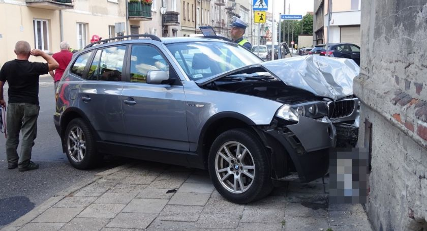 Wypadki drogowe, zatrzymał Znów kolizja skrzyżowaniu Młynarskiej Staszica - zdjęcie, fotografia