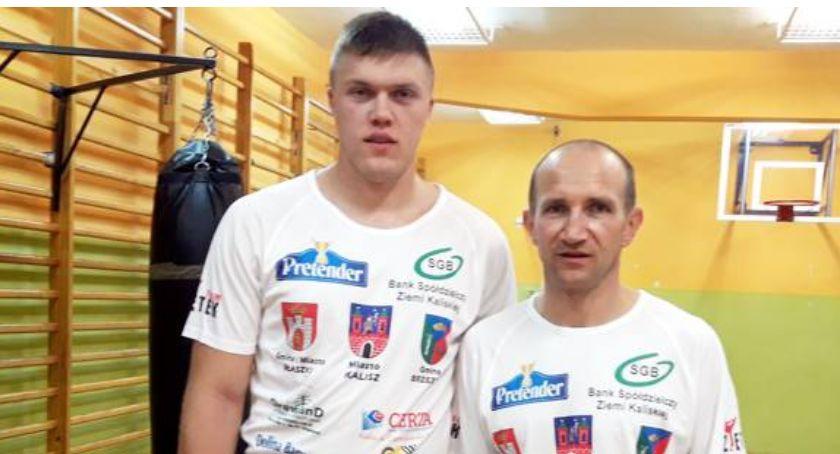 Sporty Walki, Zwycięski powrót boksera Aleksander Stawirej pokonał Adama Kulika - zdjęcie, fotografia