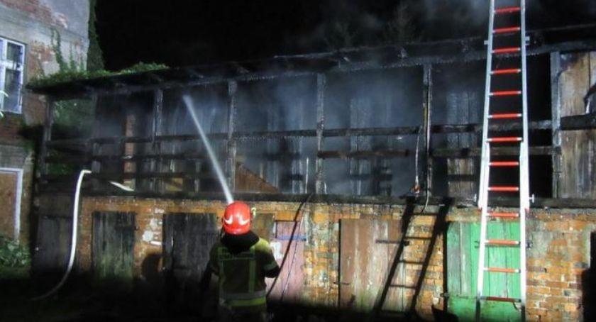 Pożary - interwencje Straży Pożarnej, Nocny pożar budynku gospodarczego Żelaznej - zdjęcie, fotografia