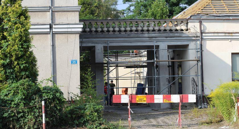 Inwestycje, Budynek pogotowia latach wreszcie ożyje - zdjęcie, fotografia
