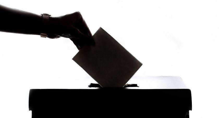 Polityka, Zostań radnym sołtysem Zbliżają wybory osiedlowych - zdjęcie, fotografia