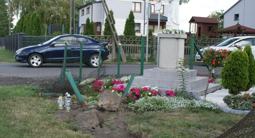 Wypadki drogowe, skrzyżowaniu może dojść kolejnej tragedii - zdjęcie, fotografia
