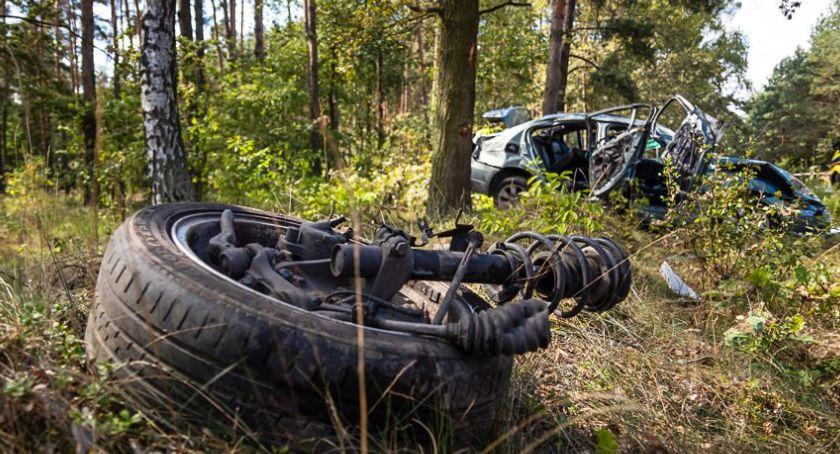Wypadki drogowe, Dachowanie Murowańcu Świerczynie - zdjęcie, fotografia