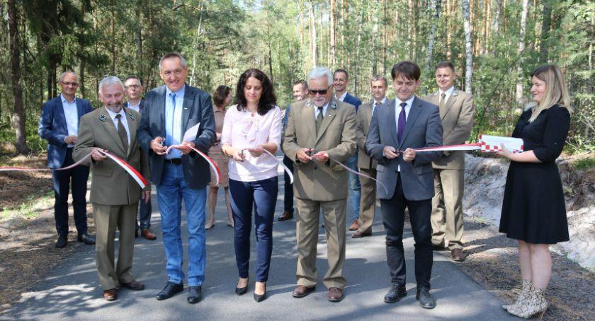 Drogownictwo, Przebudowali drogę Brzezin Sobiesęk - zdjęcie, fotografia
