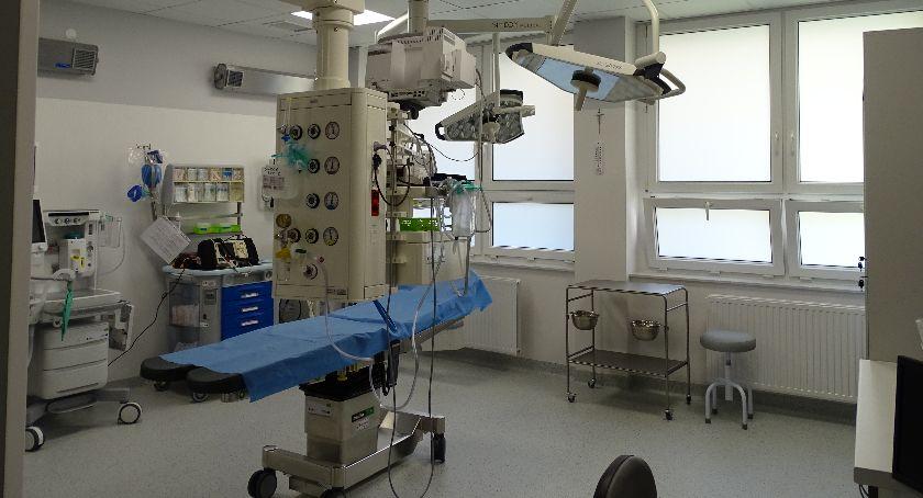 Zdrowie, Utrudnienia kaliskim szpitalu poniedziałku protest diagnostów medycznych fizjoterapeutów! - zdjęcie, fotografia