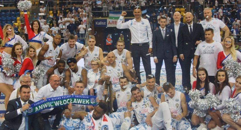 Koszykówka, Anwil dyktował warunki meczu Suzuki Superpuchar Polski - zdjęcie, fotografia