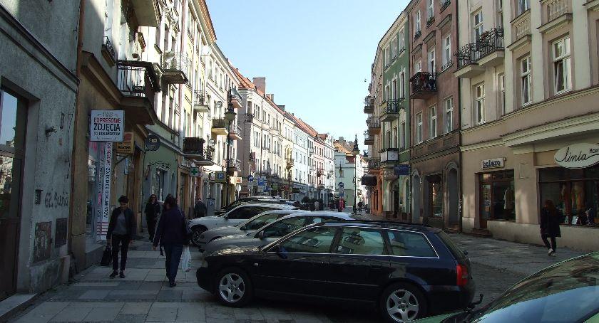 Miejski krajobraz, starówce będzie nowych miejsc parkingowych - zdjęcie, fotografia