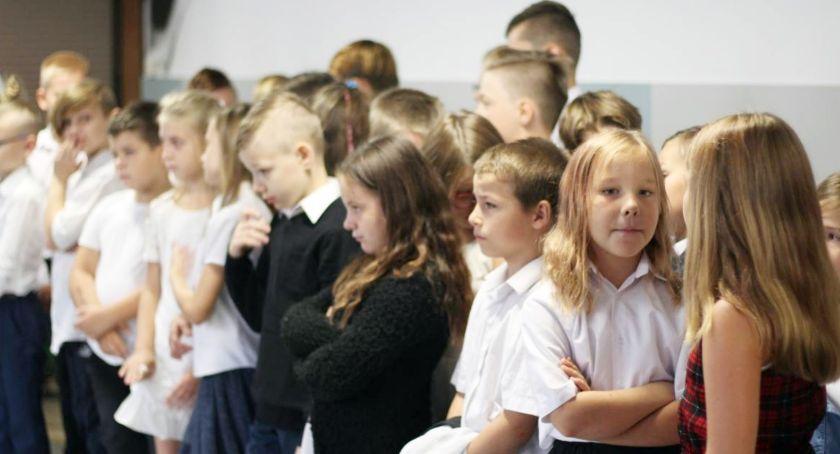 Szkoły i edukacja, Młodzieżowy szyfr język pocisku - zdjęcie, fotografia