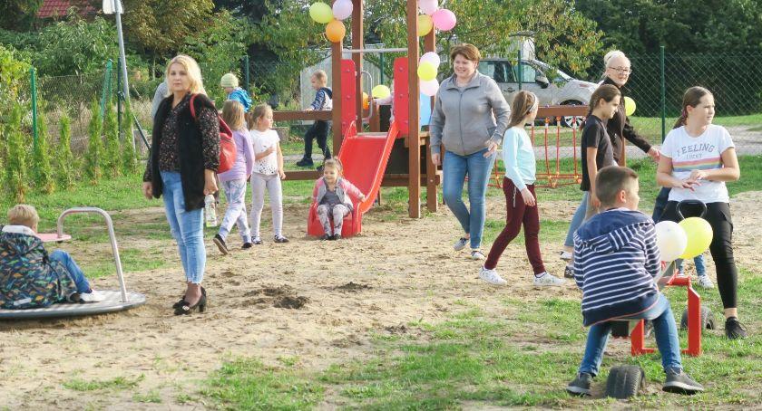 Region, Zabawa rekreacja mieszkańców Petryk integracja - zdjęcie, fotografia