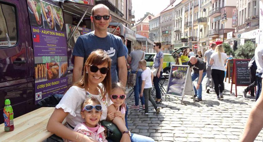 Atrakcje i Ciekawostki, Trucki piątku niedzieli ratuszem - zdjęcie, fotografia