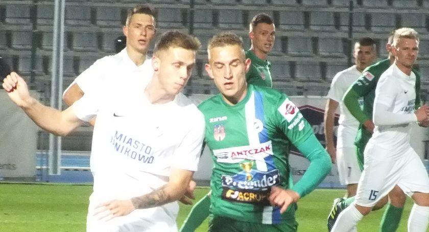 Piłka nożna, Kalisz remisuje traci prowadzenie tabeli ZDJĘCIA WYNIKI - zdjęcie, fotografia